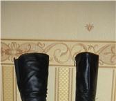Фотография в Одежда и обувь Женская обувь высокие, черные, кожанные сапожки на меху. в Владикавказе 2000